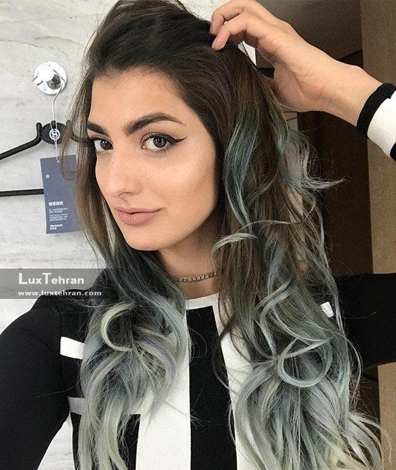 رنگ موی آبی درکنار رنگ مو دودی امبر