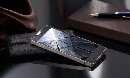 گوشی لاکچری و هوشمند گرسو Gresso ساخته شده از طلای 18 عیار تصاویری از گوشی لاکچری