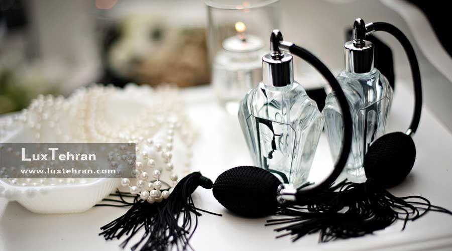 عطر زنانه : عطر های زنانه مناسب در موقعیت های مختلف کدام اند / انتخاب عطر متناسب با موقعیت