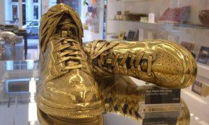 با کفش هایی از جنس طلا راحتی را احساس کنید ! / گران ترین کفش مردانه + قیمت کفش مردانه