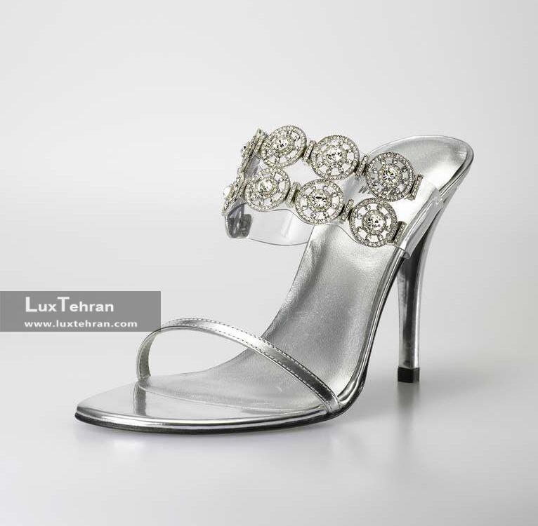 کفش پاشنه بلند الماس کاری از استوارت ویتزمن – 500000 دلار