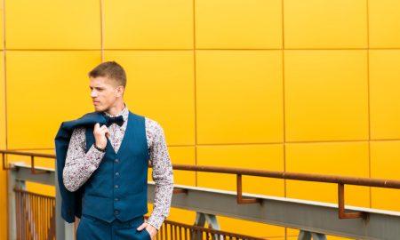 چگونه جلیقه مردانه را با با شلوار جین ست کنیم ؟ / جلیقه اسپرت مردانه را اینگونه ست کنید