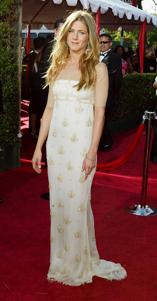 جنیفر آنیستون ( Jennifer Aniston)، طراح لباس شانل، 2004