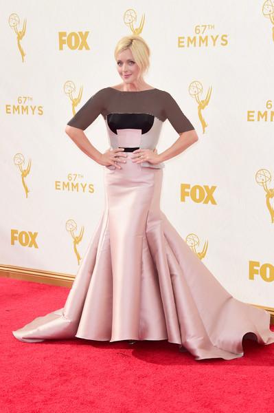 جین کراکوسکی (Jane Krakowski)، طراح لباس بیبو موهیپاترا، 2015