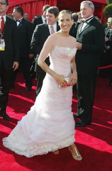 سارا جسیکا پارکر (Sarah Jessica Parker)، طراح لباس شانل، 2003