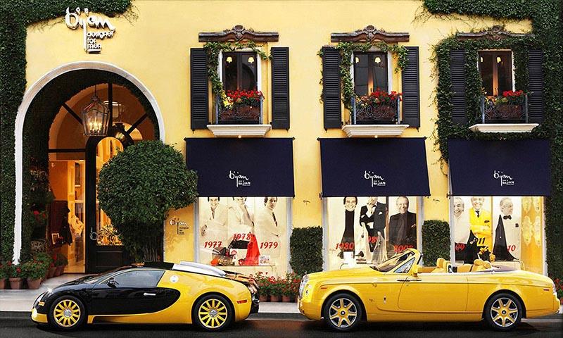 نمای ساختمان بوتیک زرد رنگ بیژن در محله بورلی هیلز کالیفرنیا