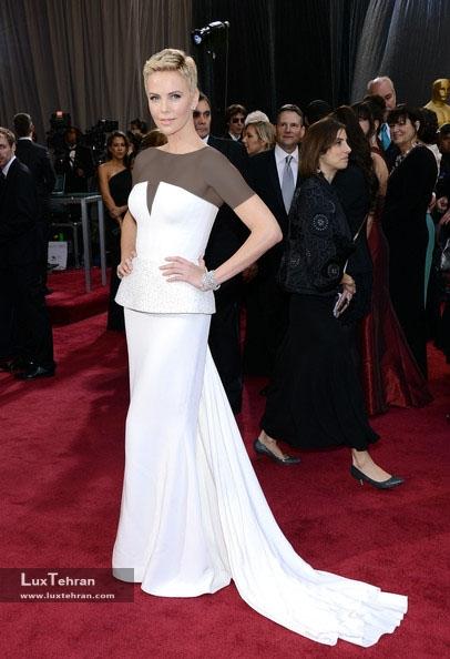 طراح لباس شارلیز ترون : دیور، اسکار 2013