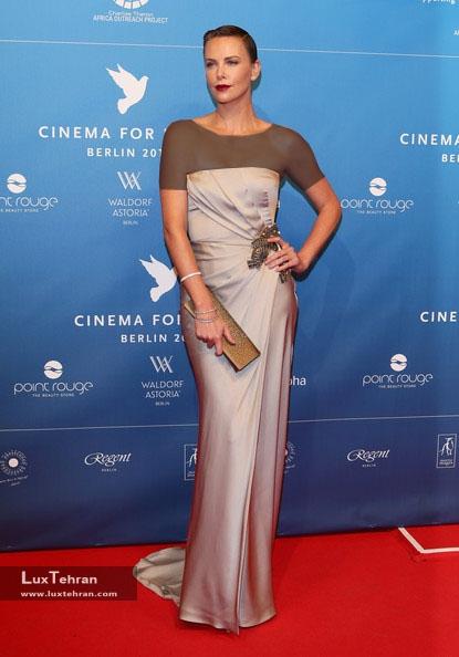 طراح لباس شارلیز ترون : گوچی، سال 2013