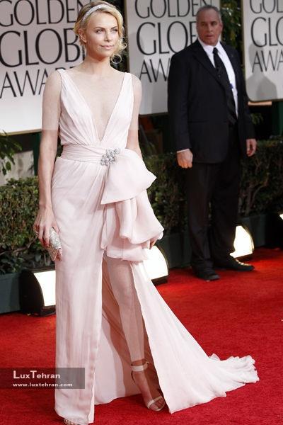 طراح لباس شارلیز ترون : کریستین دیور، گلدن گلوب 2012