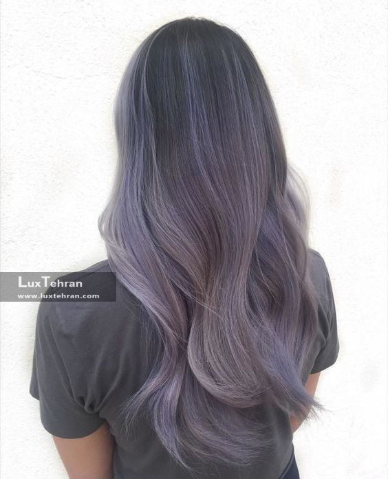 رنگ مو دودی با سایه های ارغوانی و نقره ای