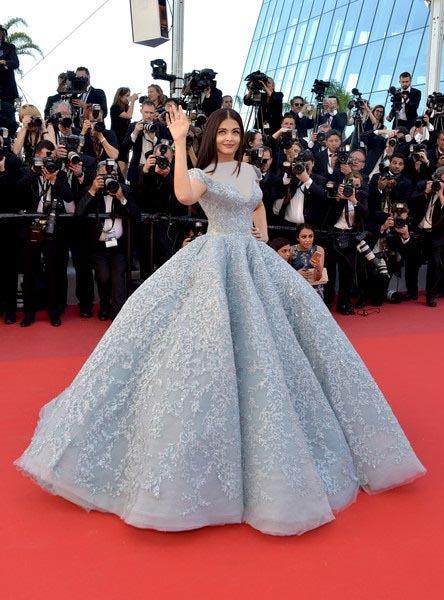 لباس پرنسسی آبی رنگ لاکچری آیشواریا