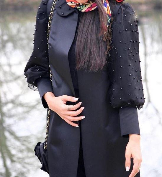 مروارید دوزی روی مدل مانتو مشکی