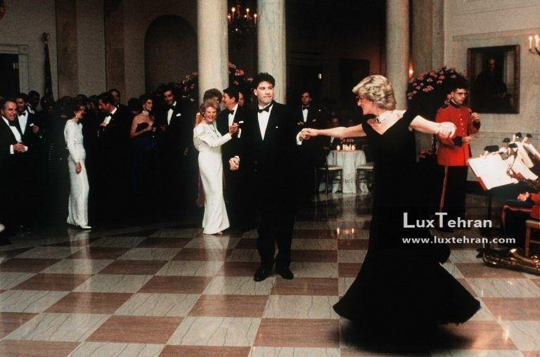 تصویر بالا یکی از معروف ترین تصاویر رمانتیک پرنسس دایانا