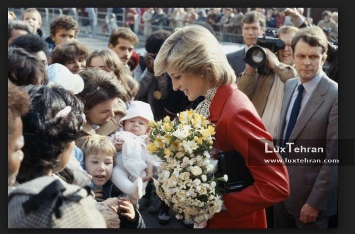 تصویری از دیدار های خیابانی پرنسس دایانا فقید با هواردانش در لندن