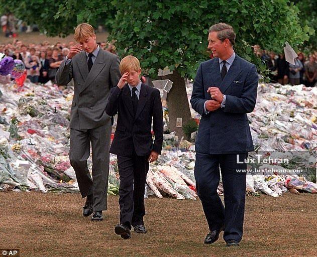 هری و ویلیام ۱۵ ساله در مراسم ختم مادرشان