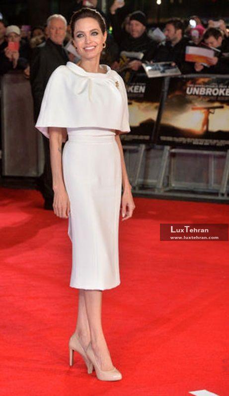 لباس کرم رنگ آنجلینا جولی است که برند Ralph & Russo