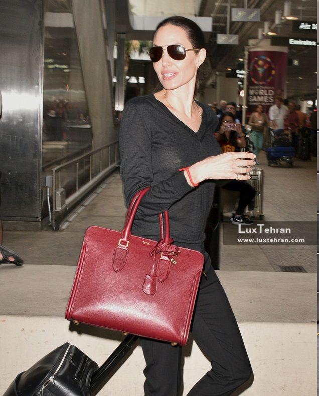 (تصویری از کلکسیون کیف های رنگی چرمی آنجلینا جولی