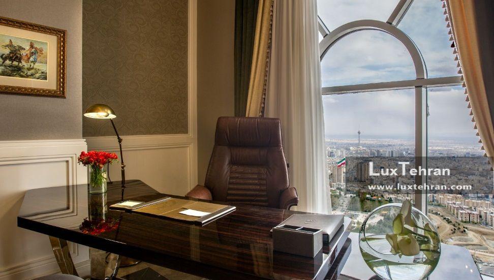 اتاق کار سویت اسپشال هتل ۵ ستاره اسپیناس پالاس