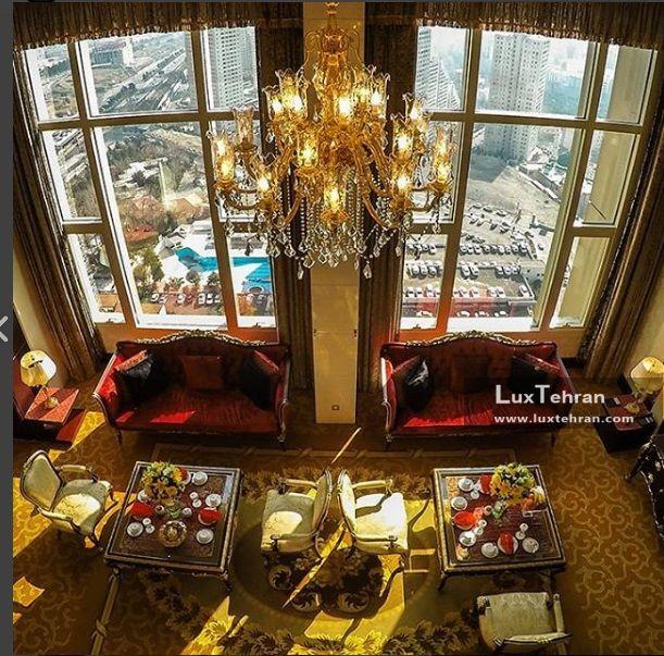 پنجره رستوران هتل بین المللی تهران از طبقه بیست و چهارم