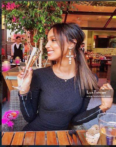 پست اینستاگرامی جاسمین توکز که استایل ایشان را در آستانه کریسمس ۲۰۱۸