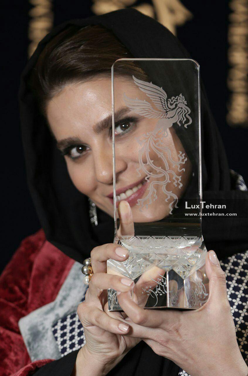سحر دولتشاهی و سیمرغ بلورین بهترین بازیگر نقش مکمل زن در جشنواره سی و ششم فجر