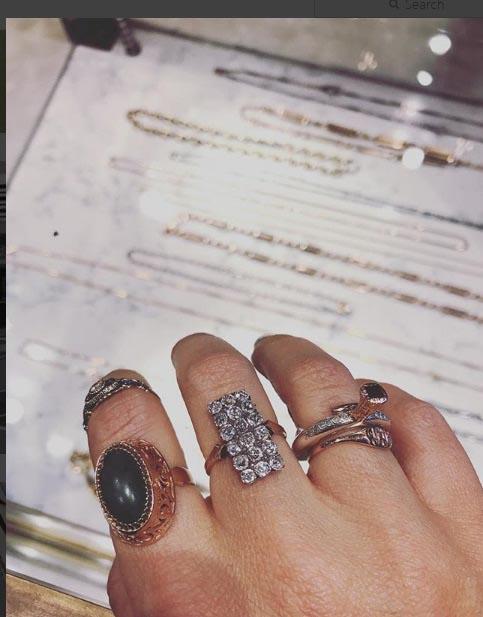 تصویری از کلکسیون طلا و جواهرات خانم ماریا شاراپووا
