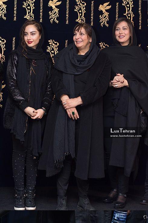 تیپ سراسر مشکی مهتاب کرامتی، منیژه حکمت و ترلان پروانه در حاشیه سی و ششمین جشنواره فیلم فجر