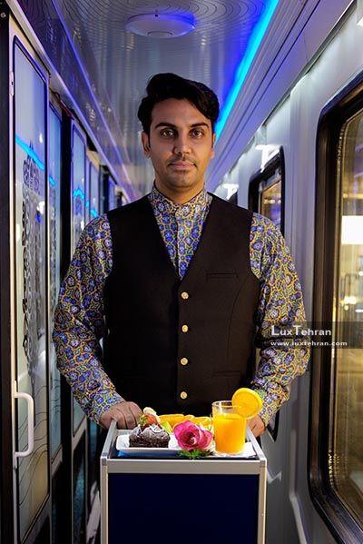 طراحی لباس مهمانداران مرد قطارهای لوکس فدک