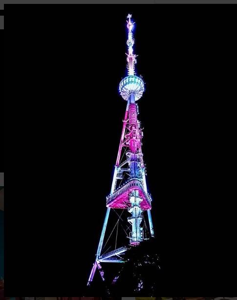 نور پردازی شبانه برج بلند MTATSMINDA PARK TOWER در تفلیس گرجستان