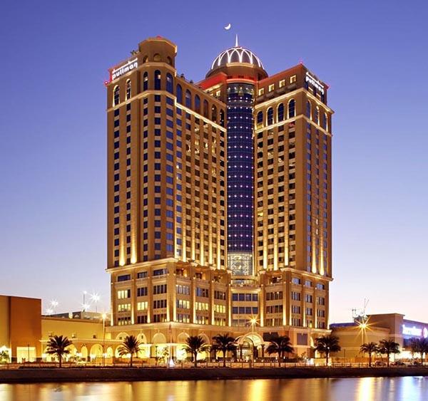 نور پردازی شبانه هتل شرایتون برای دبی گردی
