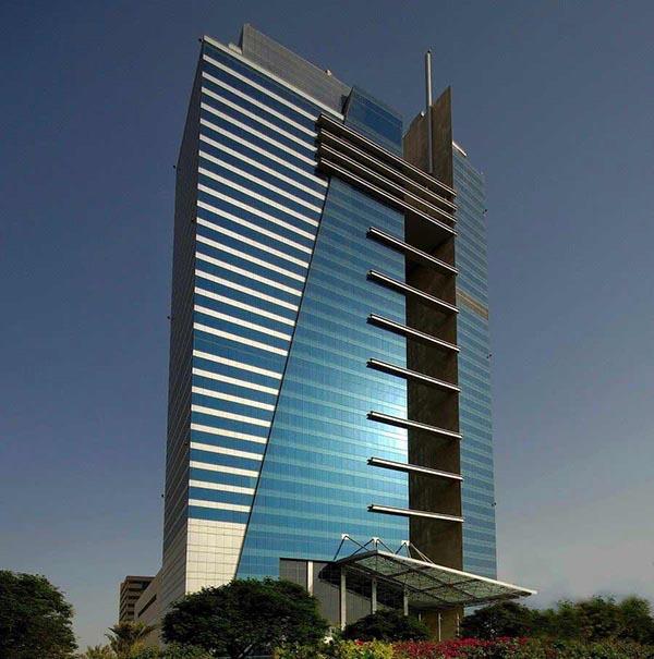 هتلز دات کام مکانی برای دبی گردی