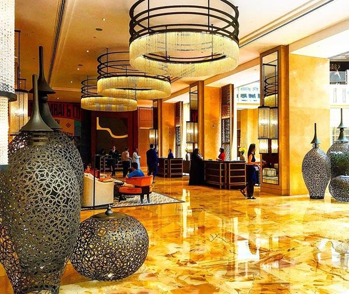 لابی هتل اچ برای دبی گردی