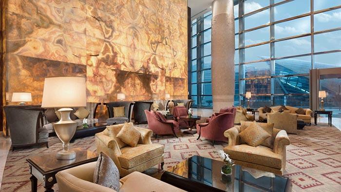 لابی هتل کنراد برای دبی گردی