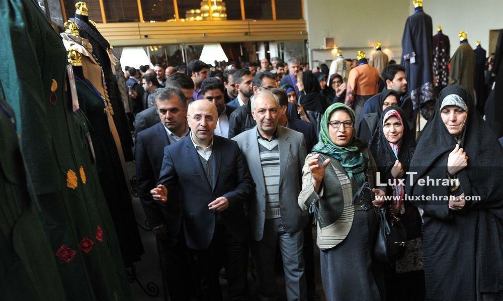 بازدید دکتر مولاوردی از هفتمین جشنواره مد و لباس فجر