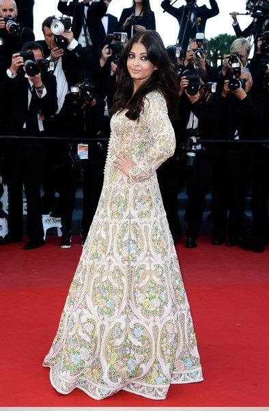 لباس چاپی بلند آیشواریا رای