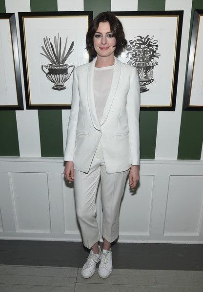 کت و شلوارهای شیک و مجلسی سفید رنگ هاتاوی