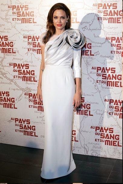 لباس مجلسی سفید بلند نامتقارن آنجلینا جولی
