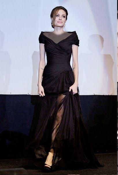 لباس مجلسی مشکی بلند یقه V شکل آنجلینا جولی