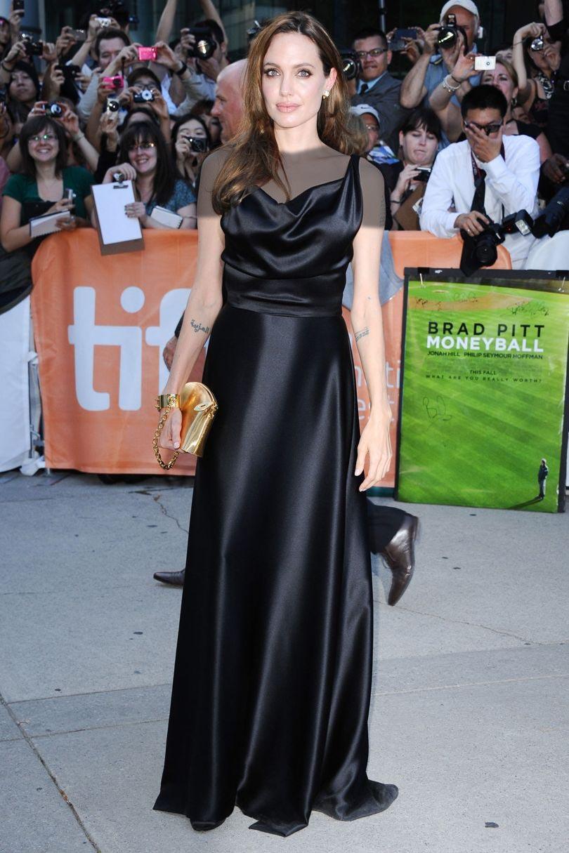 مدل های لباس آنجلینا جولی که مجلسی ساده و بلند است