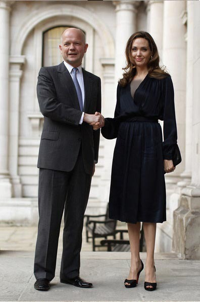 لباس ابریشمی بلند آنجلینا جولی