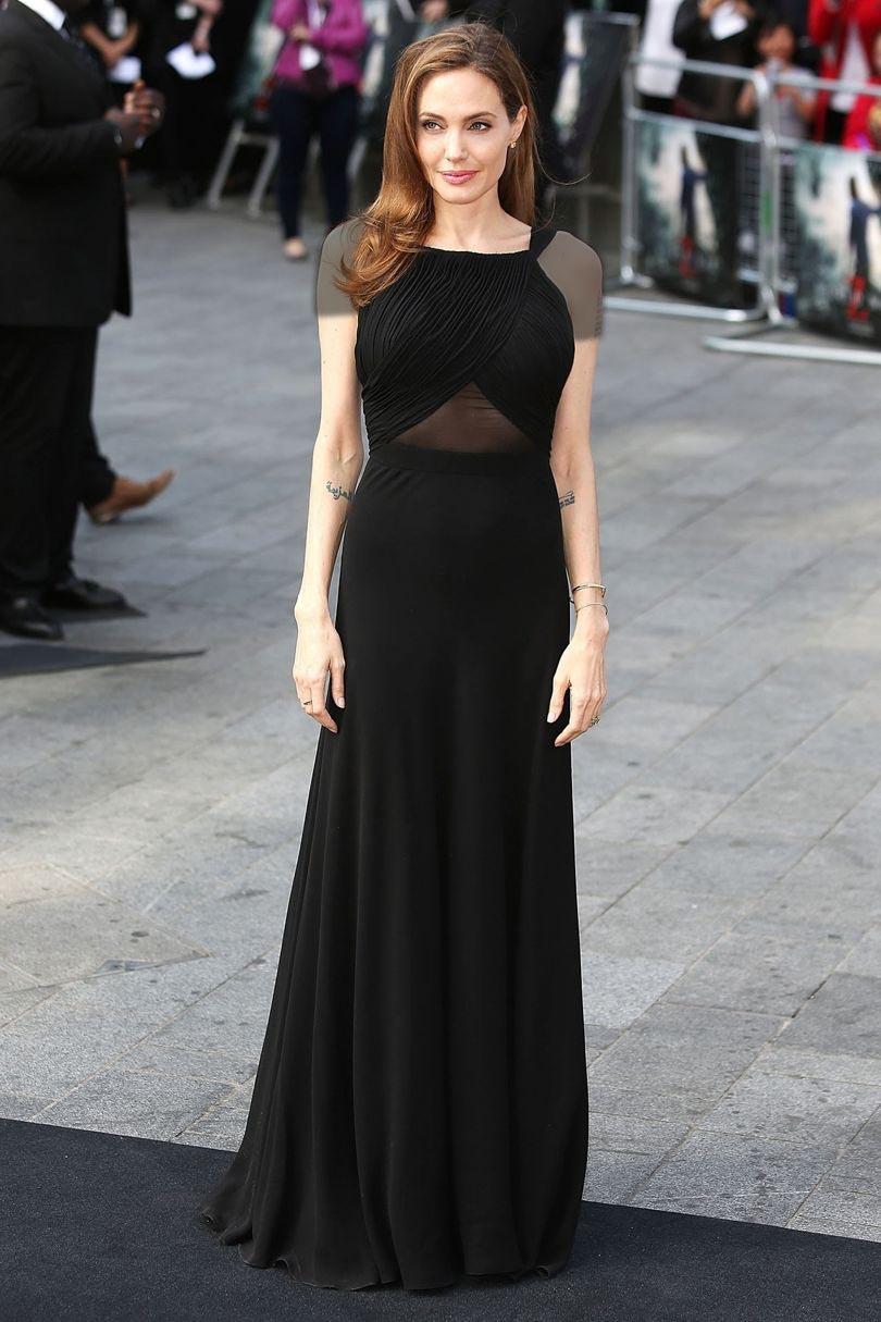 آنجلینا جولی با لباس شیک مجلسی بلند بدون دنباله
