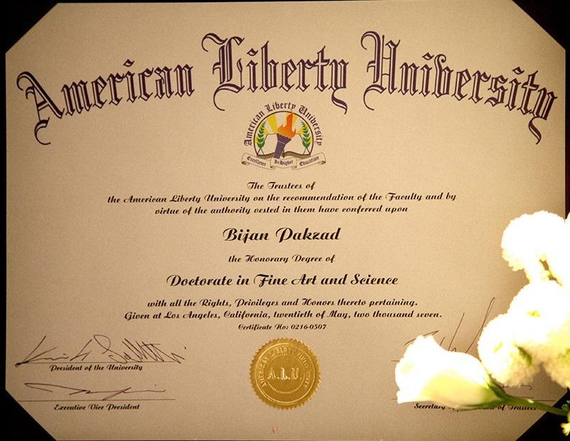 مدرک دکترای افتخاری دانشگاه لیبرتی کالیفرنیا در رشته علوم و هنر برای بیژن پاکزاد