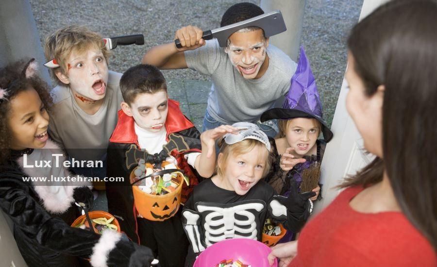 بچه ها در جشن هالووین