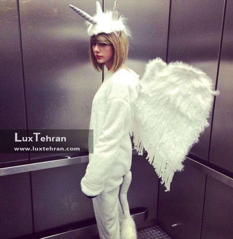 تیلور سویفت در استایل فرشته گونه هالووینی