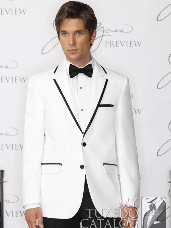 کت سفید و شلوار مشکی رنگ