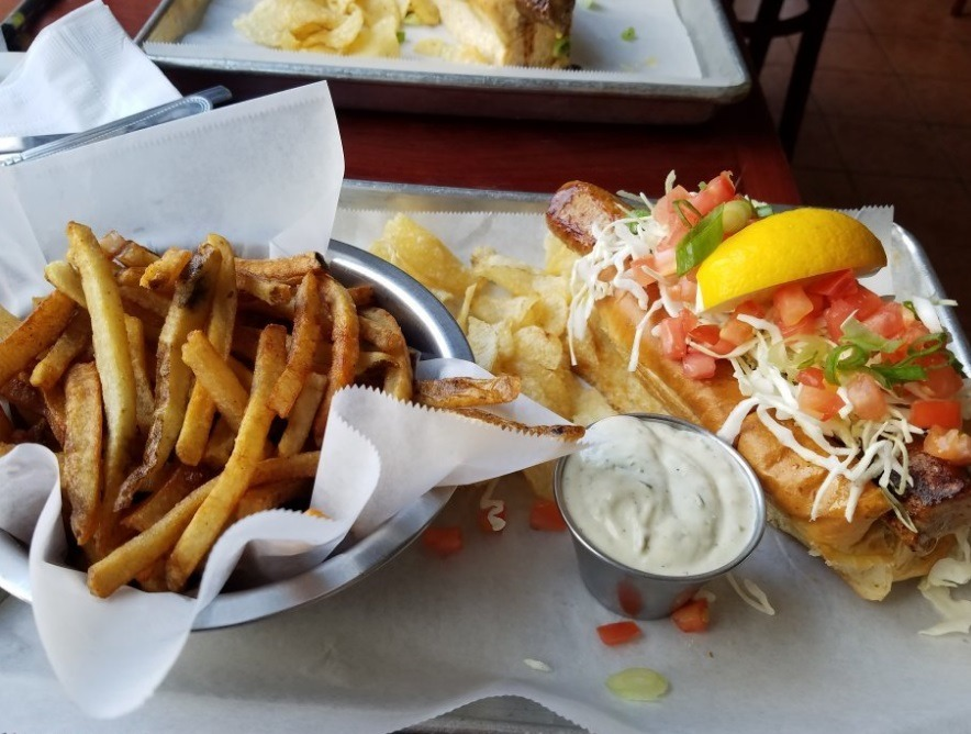 ساندویچ ها و سیب زمینی های فست فود نیوبرانزویک کانادا