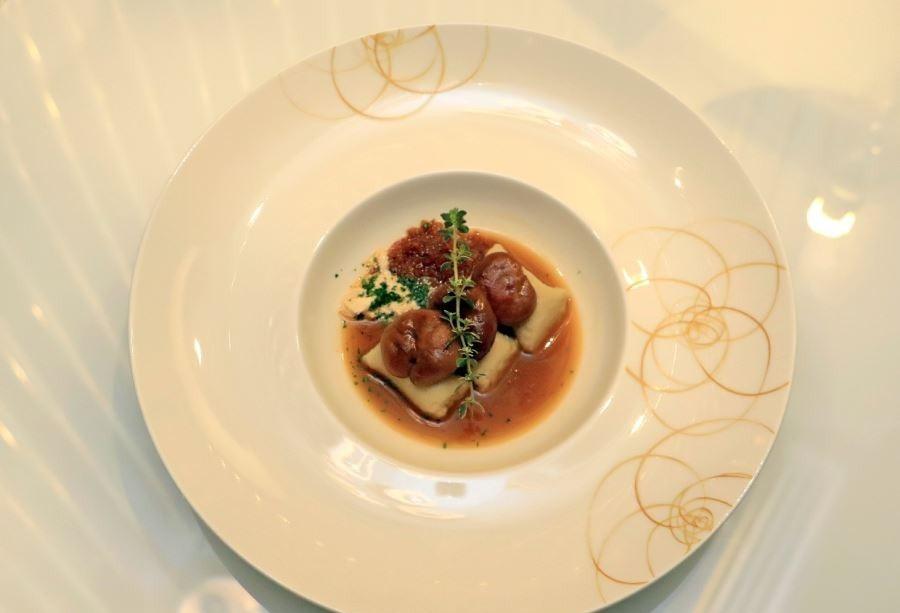 غذاهای ساده در رستوران آسمانی آنتالیا