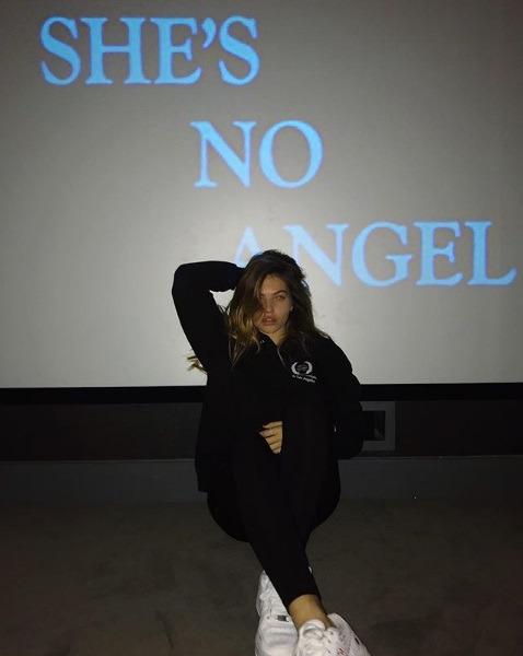 تایلن بلوندو کتاب I AM NO ANGEL
