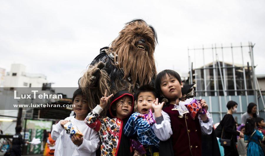 رژه کودکان در خیابان های توکیو برای جشن هالووین