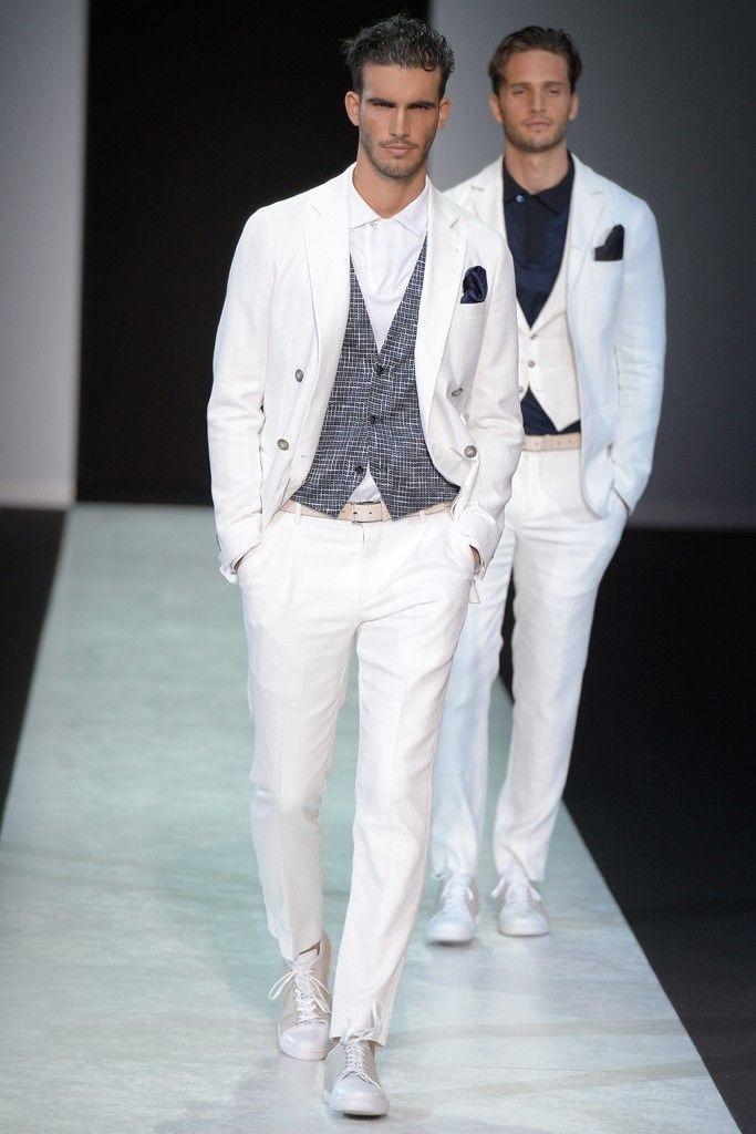 کت و شلوارهای سفید رنگ برند معروف ایتالیایی ها